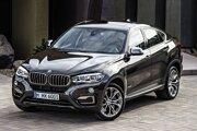 BMW X6 xDrive 50i. Model X6 druhej generácie má pozmenenú prednú i zadnú časť, karoséria má menší aerodynamický odpor.