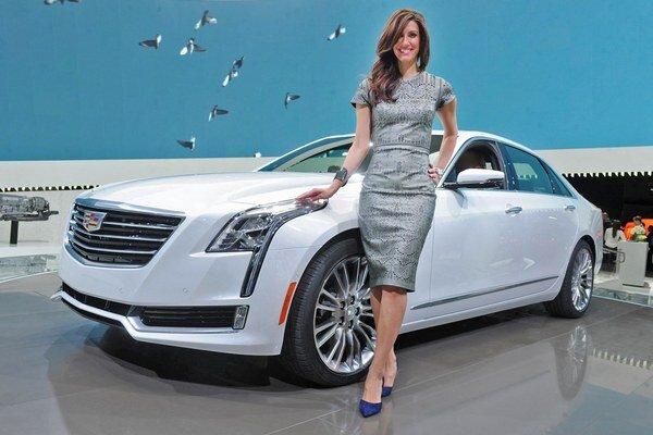Najluxusnejší Cadillac má označenie CT6. Cadillac CT6, ktorý má svetovú premiéru na newyorskom autosalóne, je poháňaný trojlitrovým prepĺňaným šesťvalcom výkonu 298 kW.