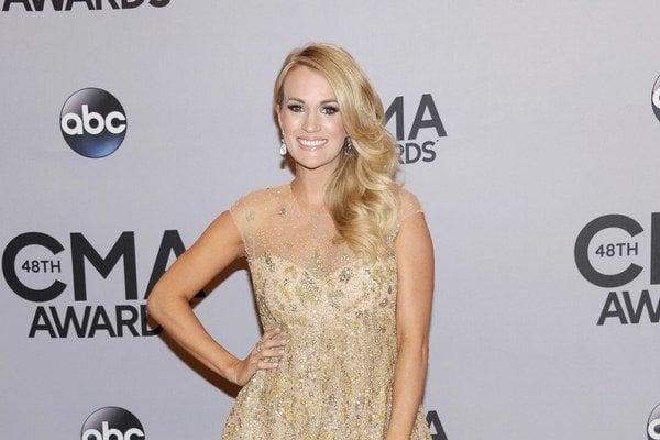 Carrie Underwood bude mamičkou.