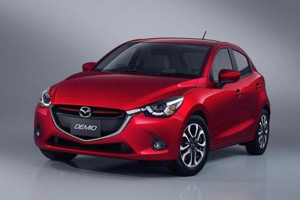 Mazda2 novej generácie. Nová malá mazda, v Japonsku predávaná pod označením Demio, bude mať európsku premiéru na parížskom autosalóne.