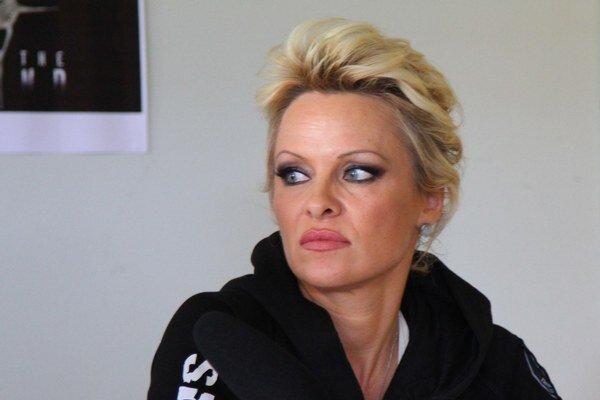 Nerozhodná? Pamela sa chce aj nechce rozvádzať.