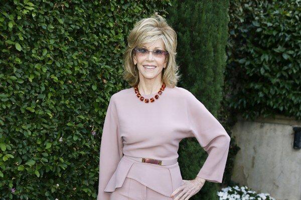 Pravda o mame. Jane Fonda prezradila, že ju zneužívali sexuálne a nakoniec spáchala samovraždu.
