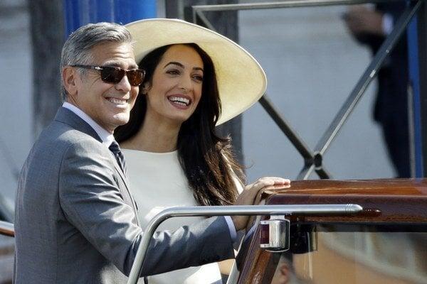 Pani Clooneyová. Amal Alamuddin je už minulosťou a pri Georgeovi doslova žiari.