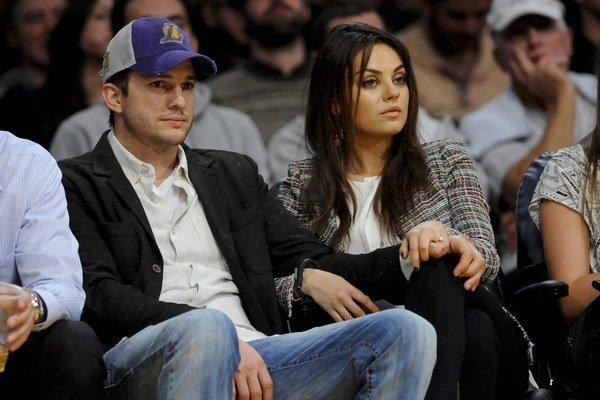 Budúci rodičia Mila Kunis a Ashton Kutcher.