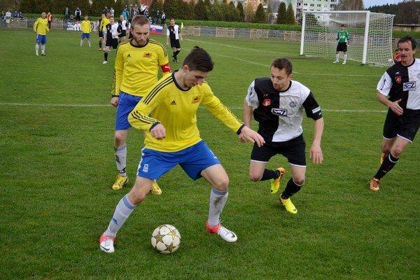 Opäť neskórovali. Futbalisti Svitu prehrali doma s Krompachmi 0:1.