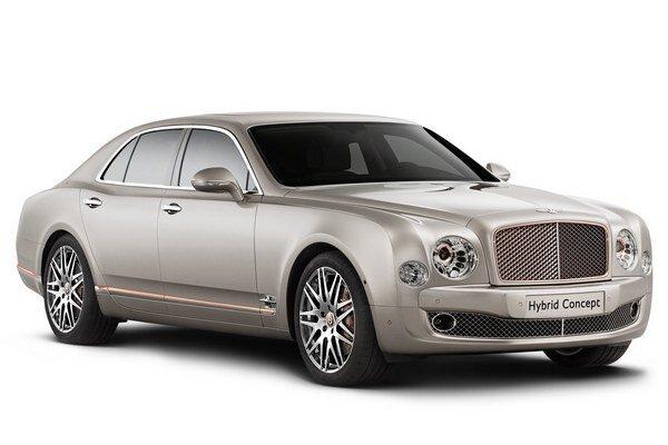 Štúdia Bentley Hybrid Concept. Hybridný hnací systém, ktorým je vystrojená v Pekingu predstavená štúdia, bude od roku 2017 poháňať nový športovo-úžitkový model.