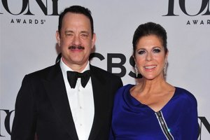 Tom Hanks s manželkou.