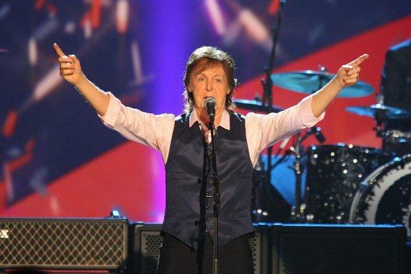 Vírusové ochorenie. Čo presne Paula trápi, sa nevie. Vie sa len, že ešte nevládze koncertovať.