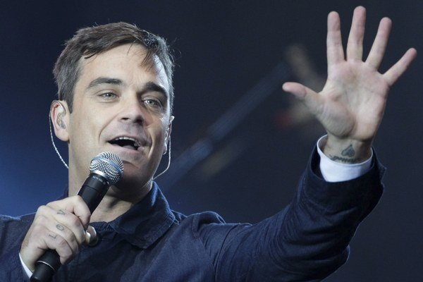 Robbie Williams si na novom albume zaspieva aj duet s Kylie Minogue.
