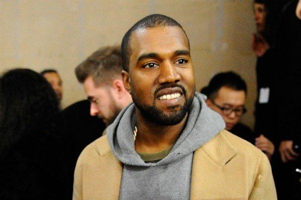 Americký raper a producent Kanye West dostal za napadnutie fotografa Daniela Ramosa dvojročnú podmienku.