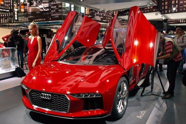 Štúdia Audi nanuk quattro. Dizajn štúdie je odvodený od štúdie Parcour a vznikol v spolupráci s dizajnérmi spoločnosti Italdesign.