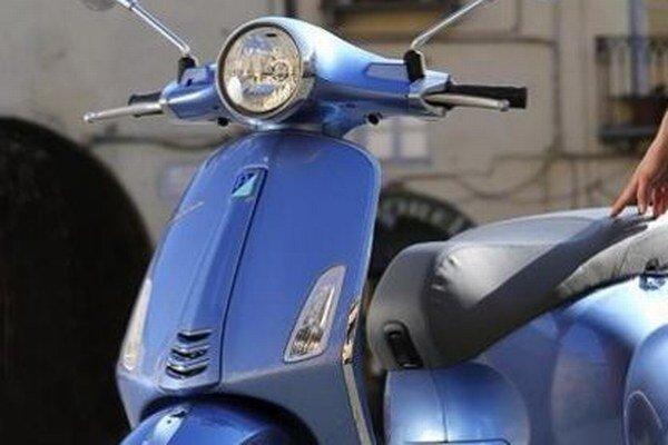 Skúter Vespa Primavera. V Miláne predstavený skúter Primavera by mal nadviazať na úspech rovnomenného modelu, ktorý sa vyrábal od roku 1967.