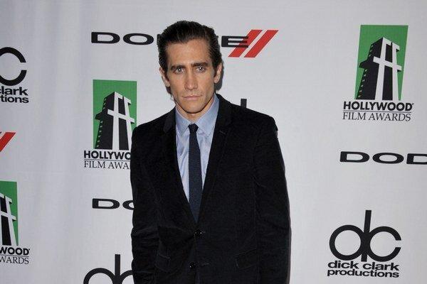 Americký herec Jake Gyllenhaal si poranil ruku.