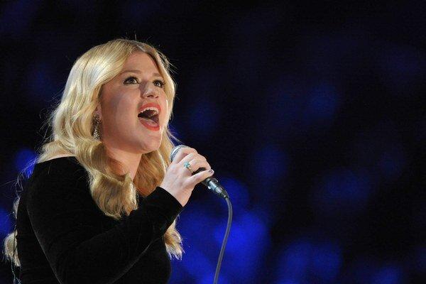 Kelly Clarkson čaká svoje prvé dieťa.