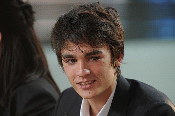 Najmladší potomok. Alan je rovnaký fešák, akým bol kedysi Alain Delon.