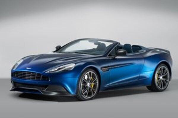 Kabriolet Aston Martin Vanquish Volante. Panely karosérie tohto kabrioletu sú zhotovené z uhlíkových kompozitov