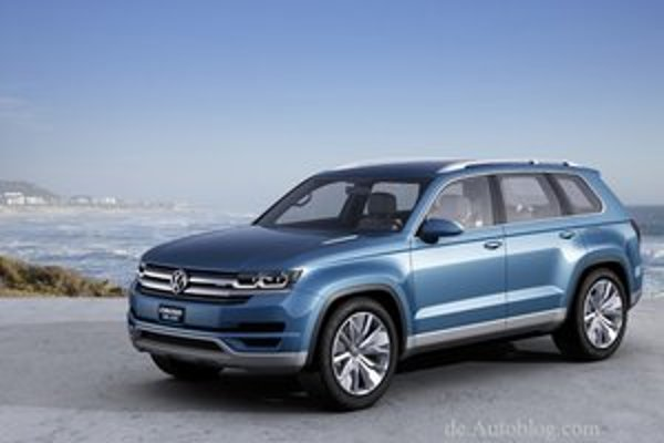 Štúdia Volkswagen Cross Blue. Cross Blue je predzvesťou veľkého, až sedemmiestneho športovo-úžitkového vozidla pre americký trh.