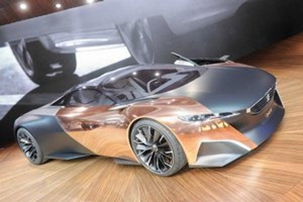 Štúdia Peugeot Onyx. Blatníky a dvere sú zhotovené z lešteného medeného plechu.