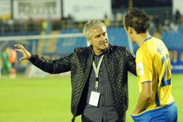 Tréner Šimčo stále hľadá optimálnu zostavu.