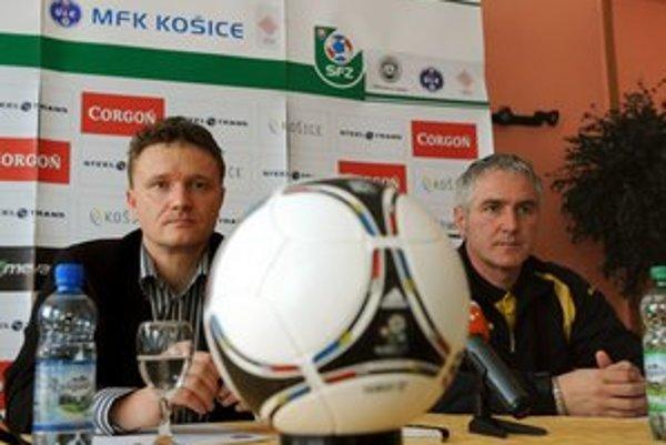 Zľava športový riaditeľ MFK Košice Ivan Kozák a tréner Ladislav Šimčo.
