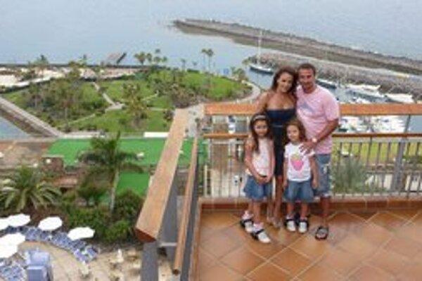 Na rodinnej dovolenke. S priateľom Martinom a dcérkami.
