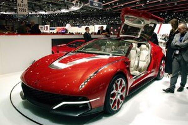 Štúdia Italdesign Giugiaro Brivido. Podtext: Táto nádherná štúdia predstavuje štvormiestnu luxusnú cestovnú limuzínu triedy GT.