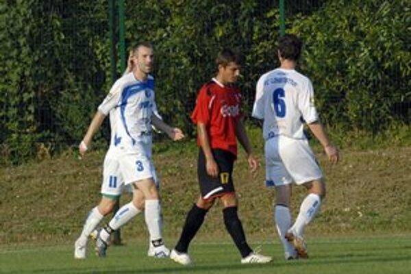 Dôvod na radosť. Mal ju Kaminský (vľavo), ktorý parádnou strelou prispel k bodom Lokomotívy.