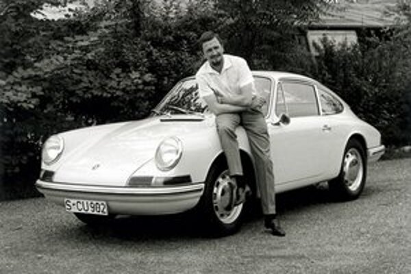Ferdinand Alexander Porsche. Model 911, ktorého dizajn navrhol F. Porsche, sa už stal automobilovou legendou.