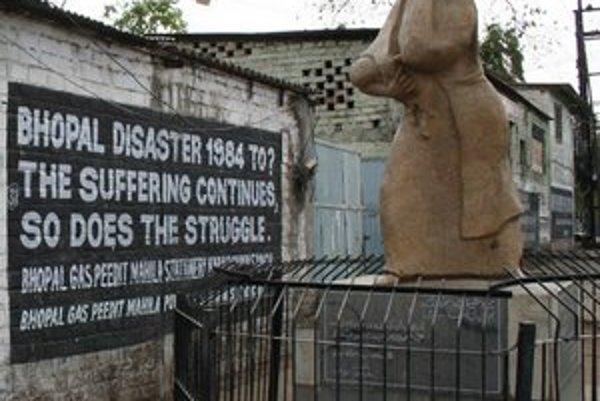 Pamätník obetiam katastrofy. V dôsledku najväčšej priemyselnej katastrofy v dejinách zahynulo okolo 20 000 ľudí.