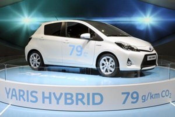 Toyota Yaris Hybrid. Yaris Hybrid, ktorý mal nedávno slovenskú premiéru, produkuje na kilometer jazdy len 79 gramov CO2.