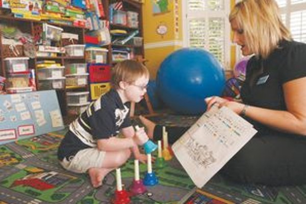 Vzdelávanie. U ľudí s Downovým syndrómom vyžaduje trochu viac trpezlivosti.