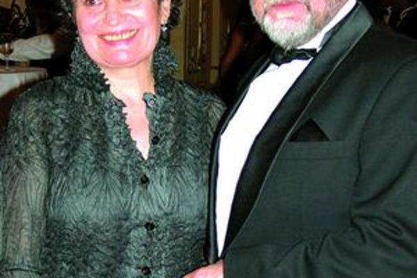 S manželom. Sú spolu už 40 rokov.