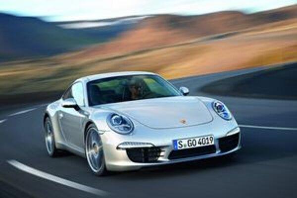 """Nové Porsche 911 Carrera. Tvary vozidla stále pripomínajú """"originál"""" z roku 1963."""