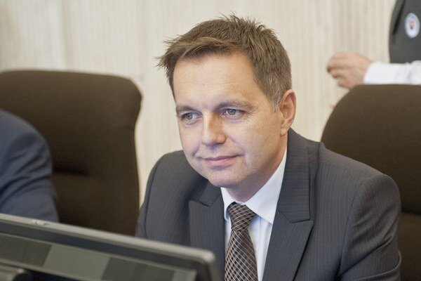 Minister financií Peter Kažimír (Smer-SD)