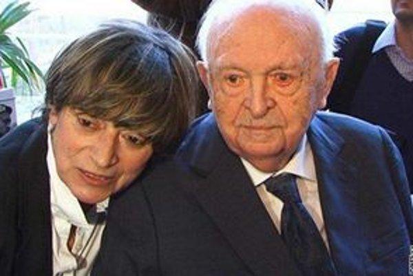 Otakar Vávra. Na fotke s manželkou Jitkou Němcovou.