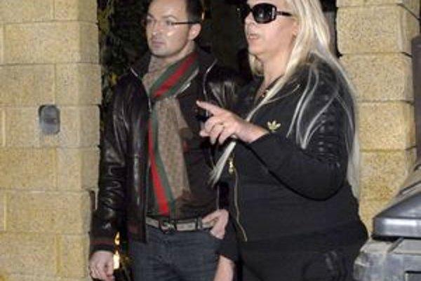 Priatelia. Nora a Versace tak vyzerali...