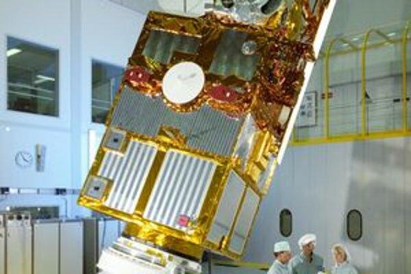 Družica ERS-2. Družica poskytovala 16 rokov dôležité údaje o dejoch na povrchu a v atmosfére našej planéty.