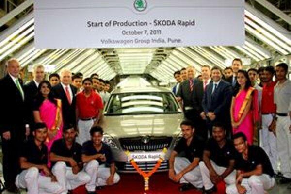 Nová Škoda Rapid. Začala sa vyrábať minulý týždeň v závode v indickom meste Puna.