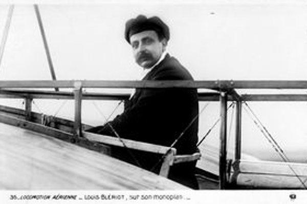 Louis Blériot postavil prvý riaditeľný jednoplošník.