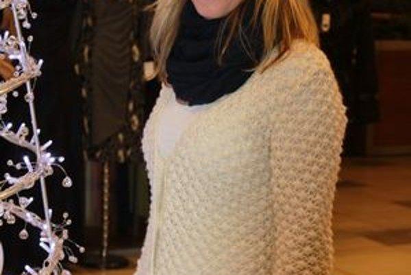 V civile uprednostňuje pohodlný outfit. Vlnené svetre sú Katkinou srdcovkou.