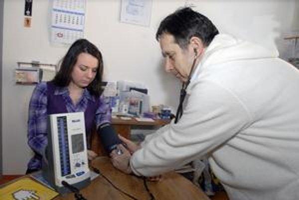 Preventívne prehliadky. Môžu odhaliť závažné ochorenia. Ich súčasťou je i meranie tlaku.