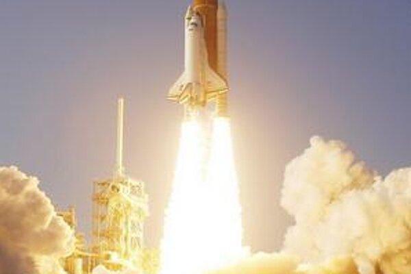 Štart raketoplánu Discovery. Minulý štvrtok odštartoval raketoplán Discovery k svojmu 39. a úplne poslednému vesmírnemu letu.