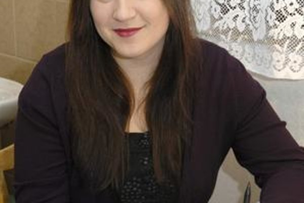 Katka Koščová. Spevom sa živí už šiesty rok. Úspešne.