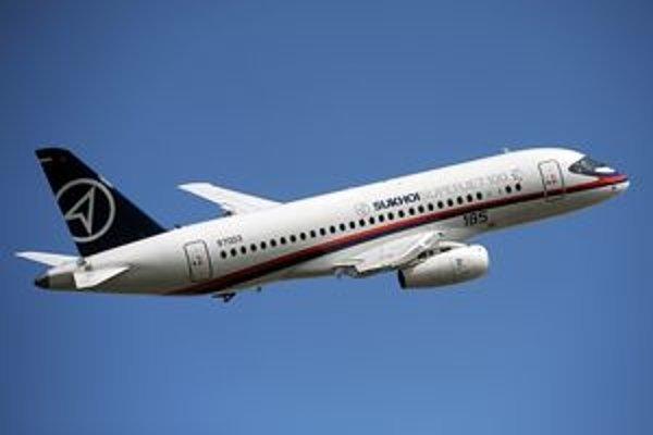 Suchoj Superjet 100. Spoločnosť Suchoj má už temer 200 objednávok na svoje nové regionálne dopravné lietadlo SSJ-100.