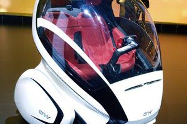 Vozidielko GM EN-V. Toto experimentálne malé vozidlo sa dokáže pohybovať autonómne, bez zásahu vodiča.
