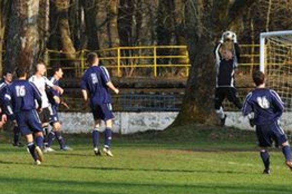 Diváci sa korenia nedočkali. Ani po tejto šanci nevideli diváci v Trebišove gól.