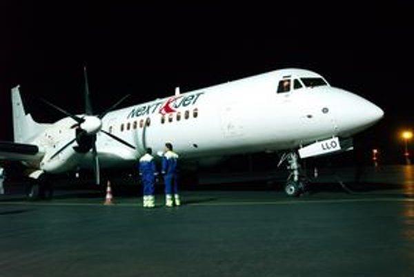 Lietadlo typu BAe ATP. Lietadlom spoločnosti NextJet prileteli do Košíc švédski hokejisti.