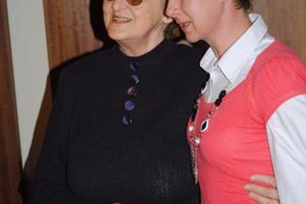 Eva Zacharová s terajšou dirigentkou Erikou Červeňákovou.