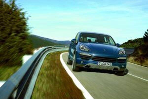 Zmodernizovaný Porsche Cayenne sa dodáva už aj so šesťvalcovými motormi.