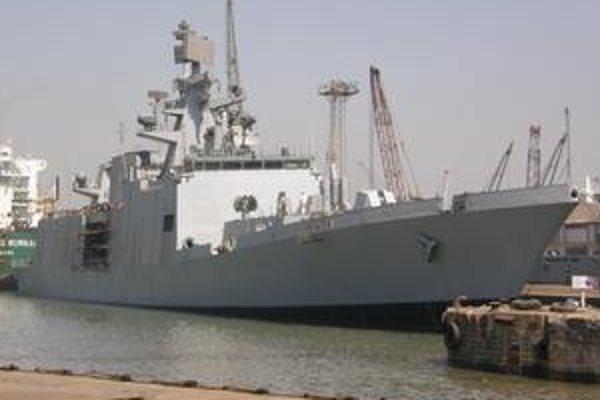 Nová indická fregata Shivalik. Fregata bola navrhnutá tak, aby sa znížila možnosť jej zachytenia radarom.